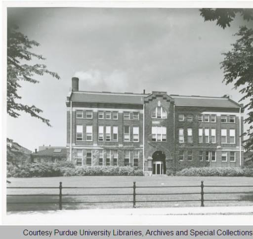 Exterior photograph of Michael Golden Labs